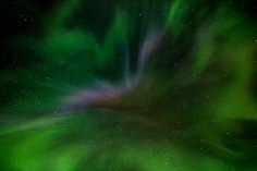 northern-lights-and-stars